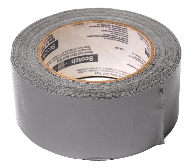 šedá páska