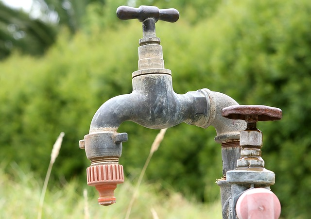 starý vodovodní kohoutek