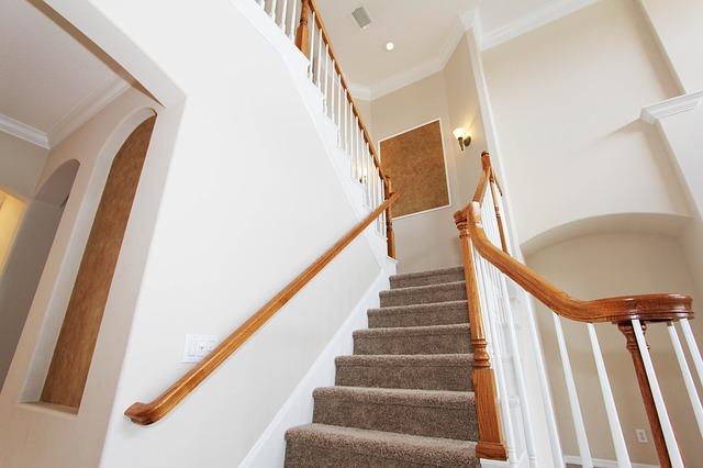 koberec na schodišti